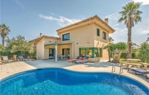 Four-Bedroom Holiday home Sant Pere Pescador with Sea View 05