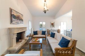 A seating area at Luxury Villa Naiades