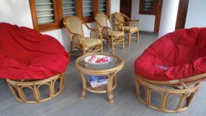 A seating area at Nila Villa