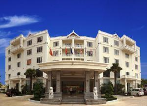 Pursat Riverside Hotel & Spa