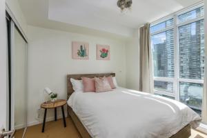 Maple Square Leaf apartments