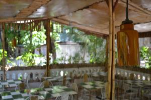 A restaurant or other place to eat at Pacot Breeze Hotel