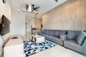 Seasons Luxury Apartment By Jk Home