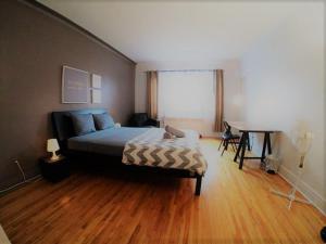 Tina 3 Bedroom Apartment Côte-des-Neiges 20 mins Downtown