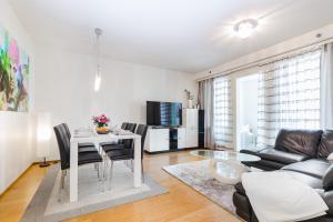 Go Happy Home Mikonkatu 11, Modern 2 bedroom apartment with balcony
