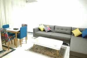 LUXURY APARTMENT With GARDEN NEAR LAC 2