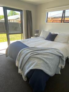 Central Retreat and self contained with free wifi