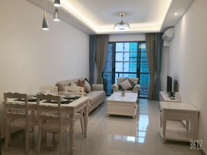 toty home stay(new 2br)below R&F mall and near CIQ