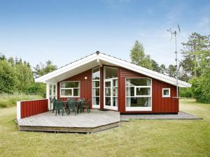 Three-Bedroom Holiday home in Knebel 21