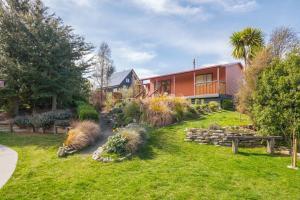 Korimako Ridge - Lake Hawea Holiday Home
