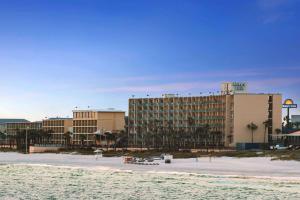 Days Inn by Wyndham Panama City Beach/Ocean Front