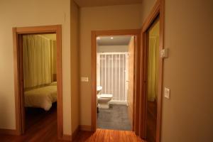 A bathroom at Getxo Apartamentos