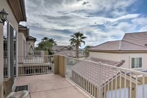 Desert Condo w/ Pool ~3 Mi to Colorado River!