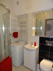 A bathroom at Sopot City Apartament