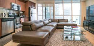 LUXURY 1BR Scotiabank Arena, Rogers Centre CN Tower