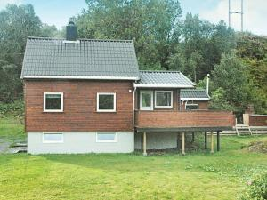 Three-Bedroom Holiday home in Vevang
