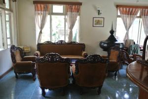 Kyaw Hotel