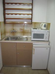 Η κουζίνα ή μικρή κουζίνα στο Eleftheria Studios