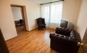 Istumisnurk majutusasutuses Business Brusnika Apartments Sokol