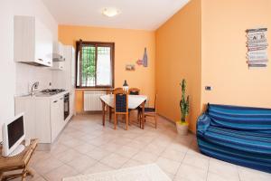A kitchen or kitchenette at Al Rivobello
