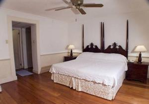 Seawind Water-view Two-Bedroom Apartment