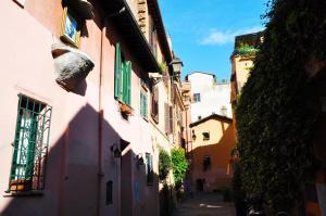 罗马神奇氛围公寓 (Roman Magical Atmospheres)