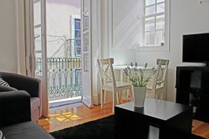 A seating area at Blue Budget Apartments Bairro Alto