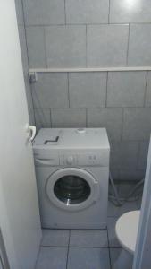 A bathroom at Turista és Munkás Szálló Budapest