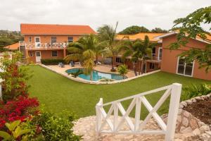 Curinjo Apartments