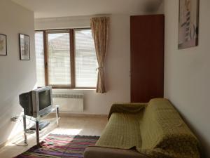 Explore Apartments in Kamenitza