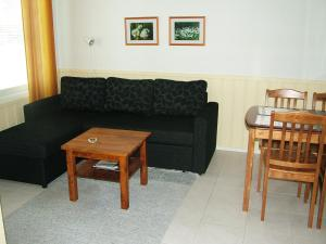 A seating area at Yllästar 305 Apartment