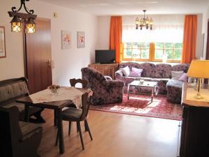 Een zitgedeelte bij Apartment Lieserpfad-Wittlich