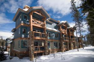 Los Pinos by Wyndham Vacation Rentals during the winter