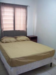 Fully Furnished 2-Bedroom Apt