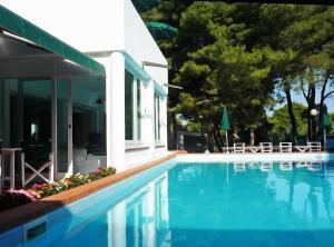 Hotel kyrie isole tremiti san domino prezzi aggiornati - Isole per cucine prezzi ...