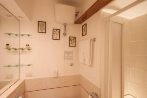 Rome Accommodation Leonina Apartments