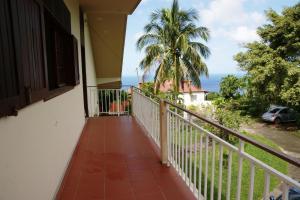 A balcony or terrace at Domaine du Piton Bellevue