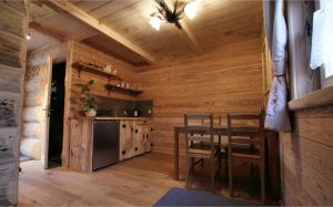 A kitchen or kitchenette at Tutok