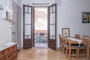 Sagrada Familia Apartment Balcony