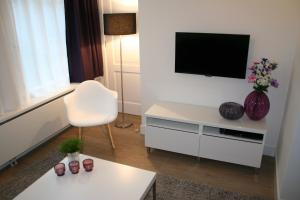 A television and/or entertainment centre at Rosies Place