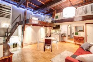 Luxury and Romantic Apartment In Piazza Farnese