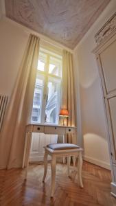 Ein Sitzbereich in der Unterkunft Nadi's Home – Heart of Budapest