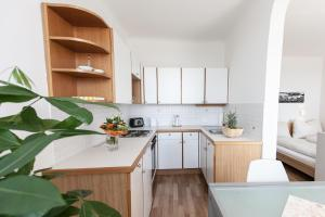A kitchen or kitchenette at Cityview