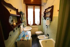 A bathroom at Appartamenti Felicita