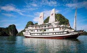 ★★★★★ Signature Halong Cruise, Ha Long, Vietnam