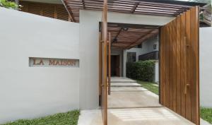 La Maison by Layana
