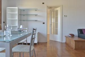 Aurelio Saffi Halldis Apartment