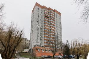 (Apartment on Ploshchad Lenina)