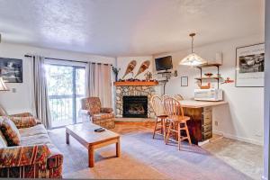 A seating area at Yosemite Large Loft Condominiums - 1BR/1BA