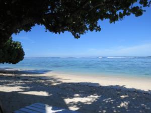 Aroa Beachside Inn